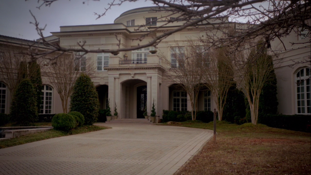File:Mikaelson-mansion-outside.png