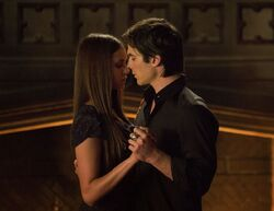 When do elena and damon start dating in vampire diaries