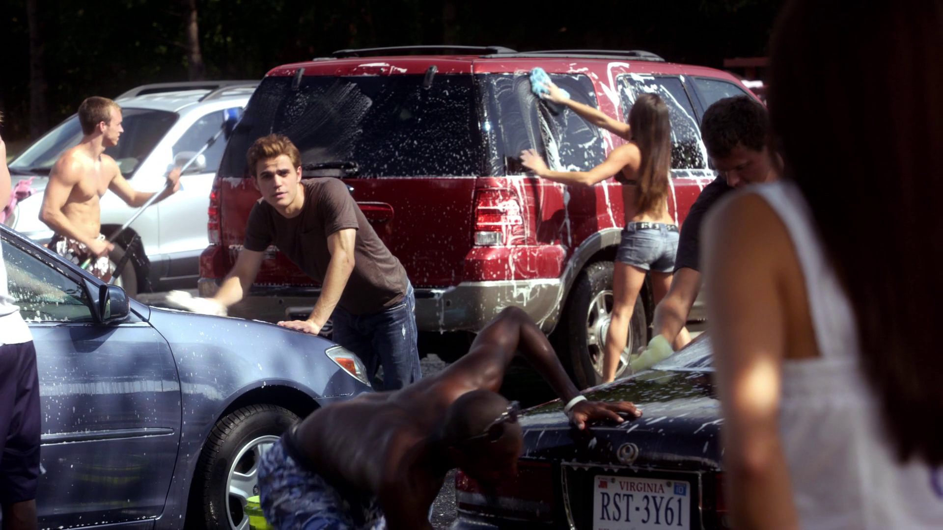 sexy suds car wash the vampire diaries wiki fandom powered by wikia. Black Bedroom Furniture Sets. Home Design Ideas