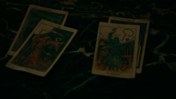 TO406-082-Tarot Cards
