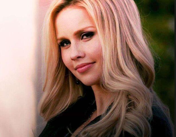 Datei:Rebekah Mikaelson.jpg