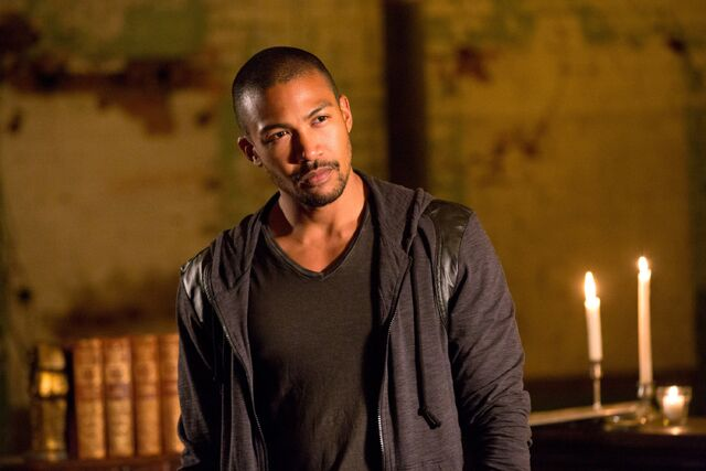 File:The Originals - Episode 2.01 - Rebirth(a).jpg