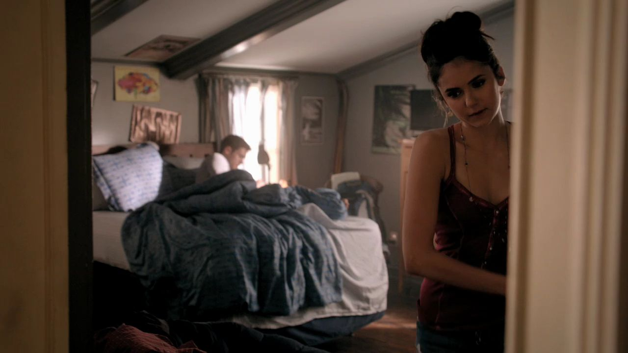 Vampire diaries bedroom - 301vampirediaries0162 Jpg