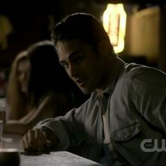 Mason in der Bar