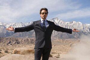 Tony-Stark-Posing