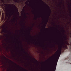 Klaus kissing Caroline in Tyler's body.