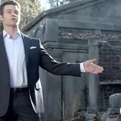 Elijah discusses with Klaus