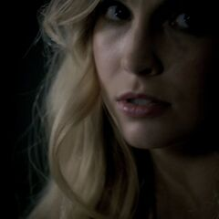 Caroline see Klaus for the first time