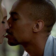 Caroline and Jesse kiss
