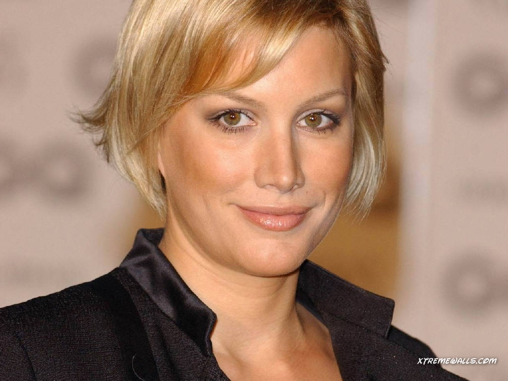 Alice Evans nude (37 foto and video), Ass, Paparazzi, Boobs, braless 2006