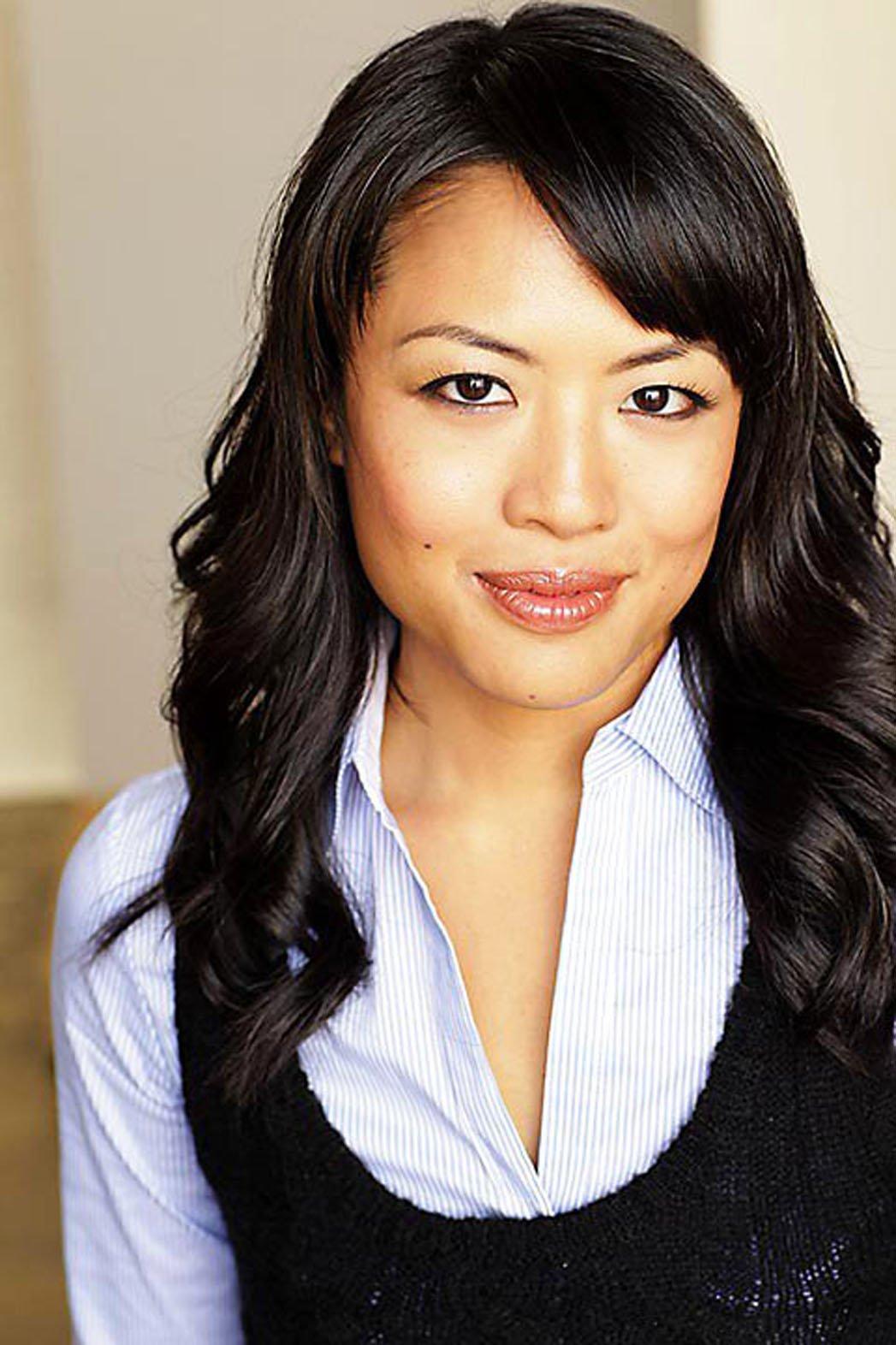 Emily Chang (actress)