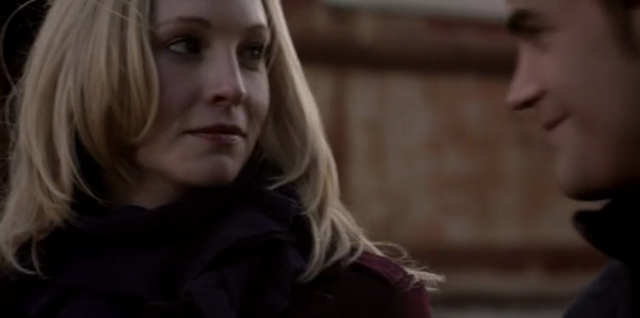 File:Caroline and Stefan in 5x16.png