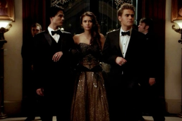 Vampire diaries elena and damon hookup