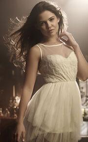 Davina-Claire-image-davina-claire-36567578-371-600