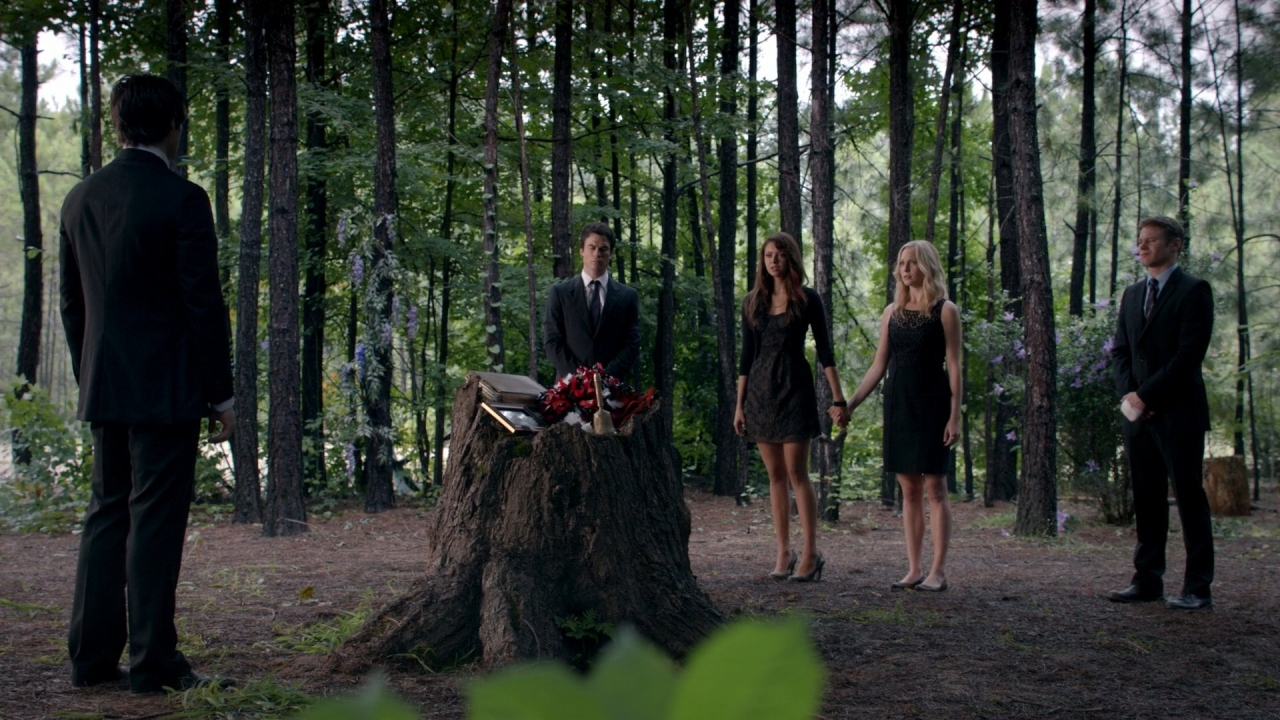Bonnie bennetts funeral the vampire diaries wiki fandom powered bonnie bennetts funeral izmirmasajfo