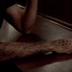 Connor Jordan's tattoo seen in episode 4x03