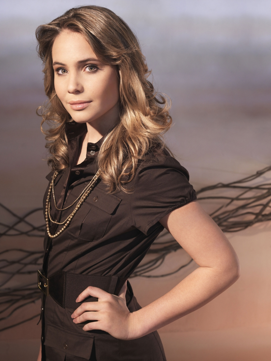 Watch Leah Pipes video