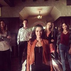 Elizabeth Blackmore, Justice Leak, Annie Wersching, Teressa Liane, Jaiden Kaine, Scarlett Byrne 7 de octubre de 2015