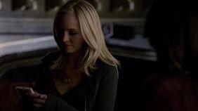 Caroline in 1x14