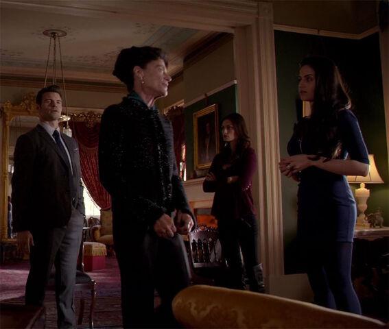 File:Elijah, Gia, Hayley and Josephine.jpg