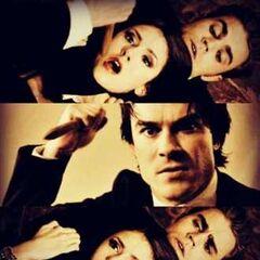 Katherine wird von Stefan gefangen und Damon versucht sie zu pfählen (Jeremy hält sie auf)