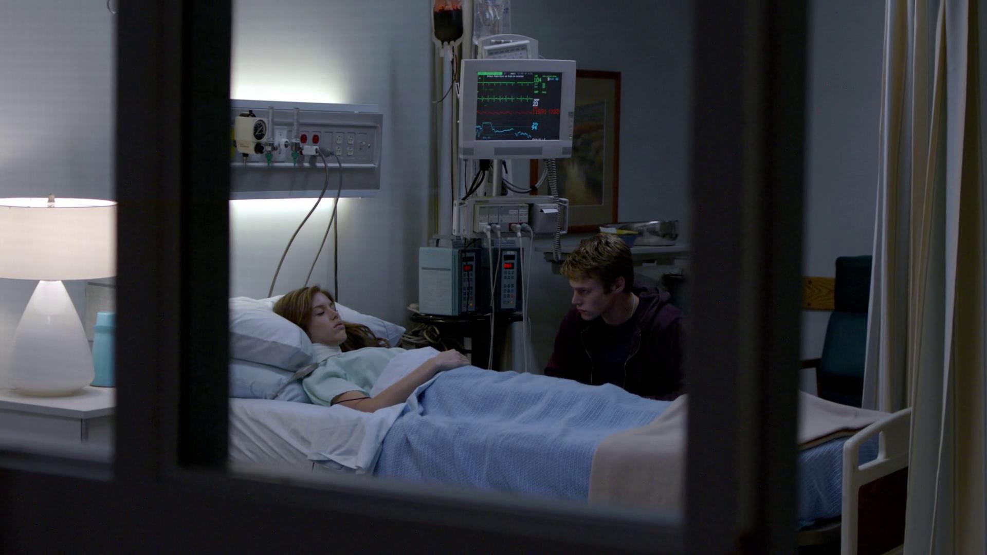 Vampire diaries bedroom - 101 149 Matt Vicki Mf Hospital Png