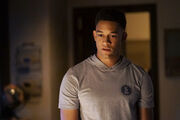 1x07 Death Keeps Knocking On My Door-Rafael 1