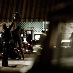 Damon tötet Maggie.