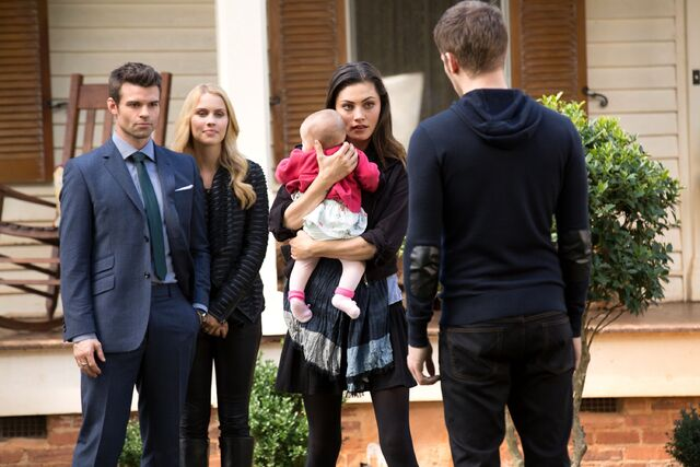 File:The-originals-the-map-of-moments-baby-hope-reunion.jpg