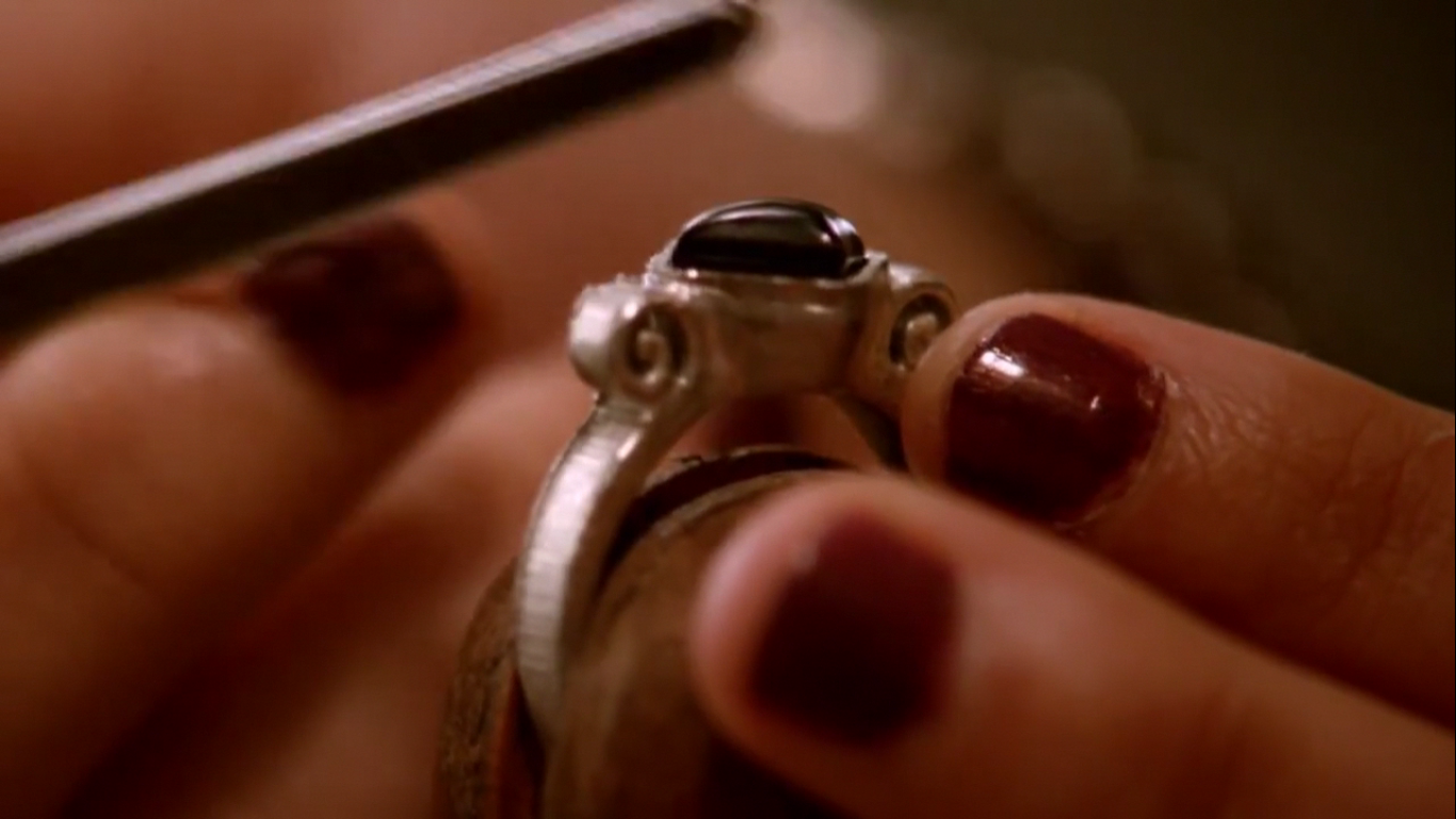 Moonlight Amulet | The Vampire Diaries Wiki | FANDOM powered by Wikia
