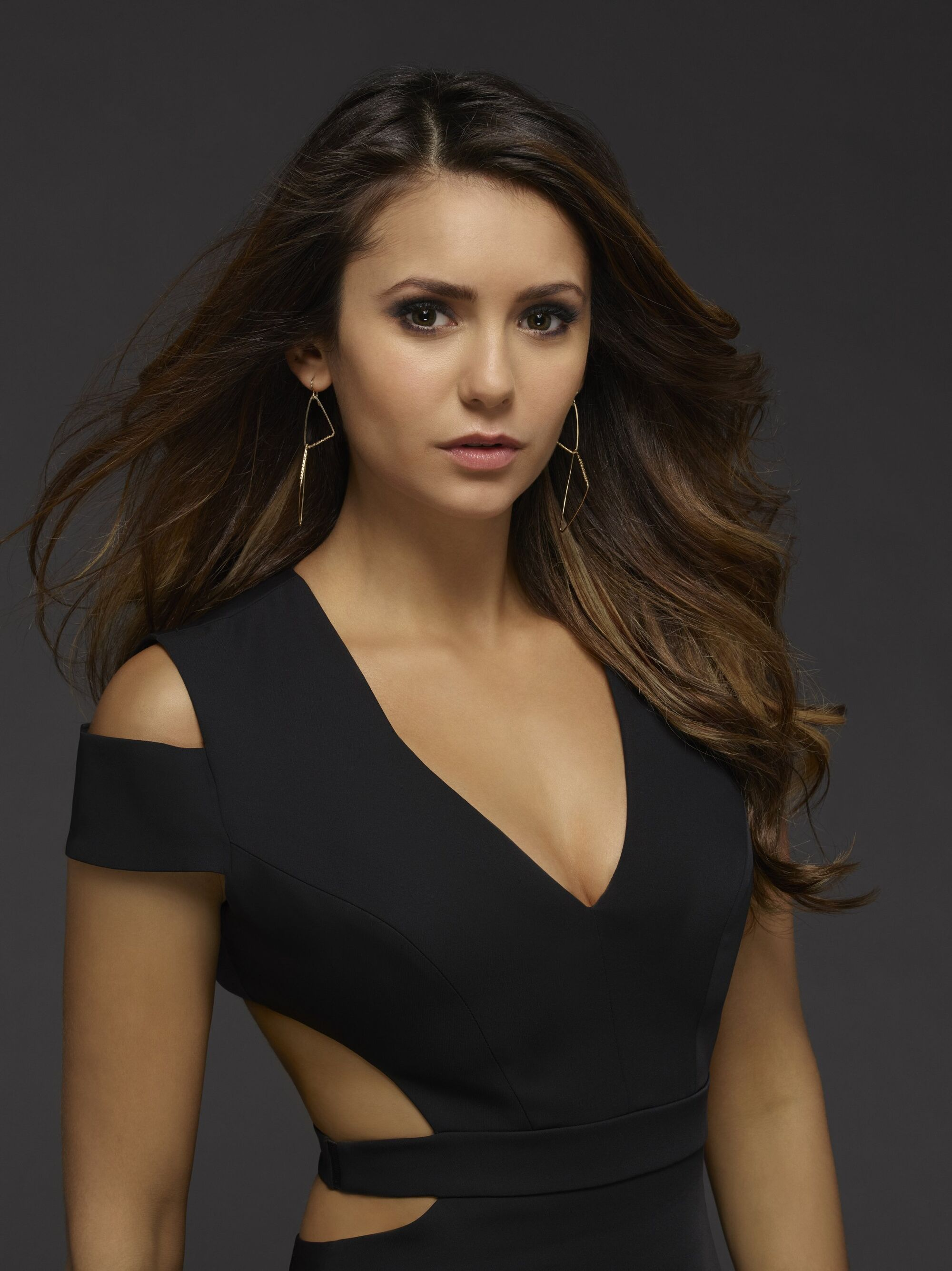 elena gilbert/appearance | the vampire diaries wiki | fandom
