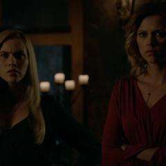 Rebekah and Freya | The Vampire Diaries Wiki | FANDOM powered by Wikia