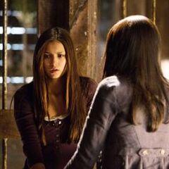 Bonnie tratando de traer de vuelta a Elena