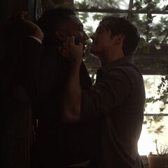Kol konftrontiert Finn.