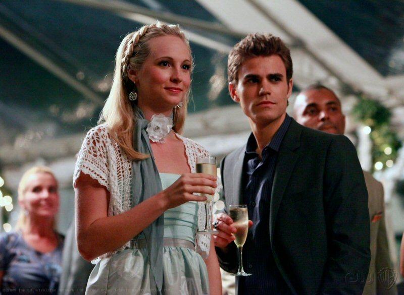 Caroline and alaric dating advice