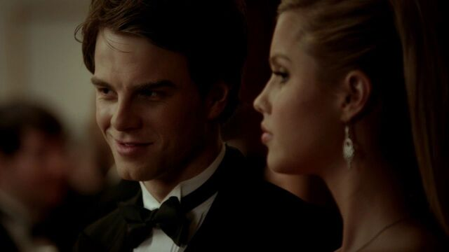 File:3x14-Dangerous-Liaisons-kol-and-rebekah-29031707-1280-720.jpg