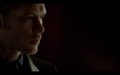 1x03-Klaus tell Hayley Elijah is returning 3.png