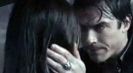 Tvd 1x17 damon elena rain scene