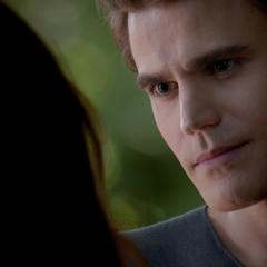 Silas manipuliert Elena