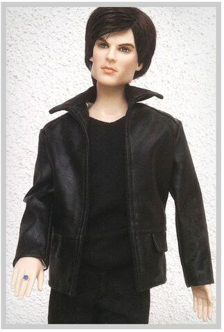 File:Damon Doll 2.jpg
