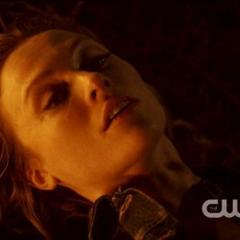 Julia sacrifiée par Klaus
