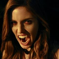 Vicki en vampire