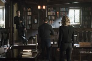 5x12 The Tale of Two Wolves-Klaus~Alaric~Caroline