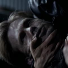 Alaric, après qu'Elena est été tuée en se noyant