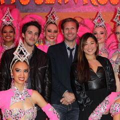 Au Moulin Rouge à Paris avec Michael Trevino et Jenna Ushkowitz