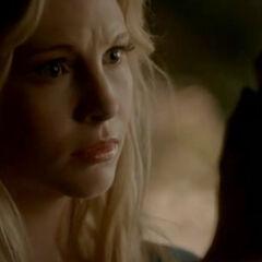 Silas (sous l'apparence de Caroline)