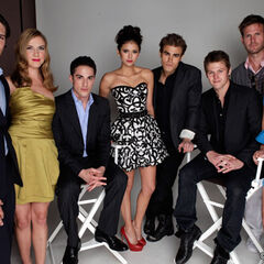 Avec le cast de Vampire Diaries