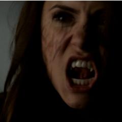 Elena en vampire augustine