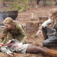 Henrik mort, Esther et Klaus