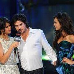 Selena Gomez, Nina Dobrev et Ian Somerhalder MuchMusic Awards 2011